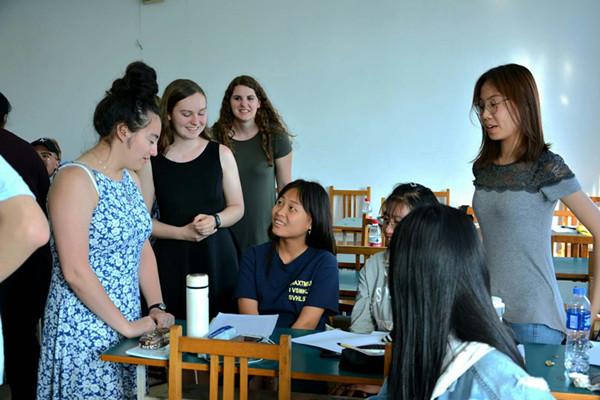 观摩燕山大学美国外教diana的英语课堂